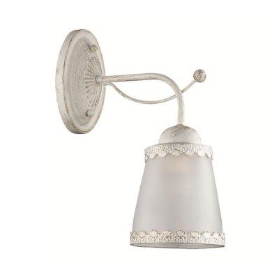 Настенный светильник бра Lumion 3267/1W ABBIКлассические<br>Новинка 2016 года! Настенный светильник бра 3267/1W серии Abbi оформлена в классическом стиле. Светильник состоит из матовых молочных плафонов из стекла с ажурным металлическим декором по краям, а также белой с золотой патиной арматуры. Модель идеально подойдет для кабинетов или гостиных, выполненных в морском стиле. Цоколь E27. Мощность 1х60W.  Нет ламп в комплекте.<br><br>Крепление: Настенное<br>Тип лампы: накаливания / энергосбережения / LED-светодиодная<br>Тип цоколя: E27<br>Количество ламп: 1<br>Ширина, мм: 130<br>MAX мощность ламп, Вт: 60<br>Диаметр, мм мм: 280<br>Длина, мм: 280<br>Высота, мм: 260<br>Цвет арматуры: белый с патиной