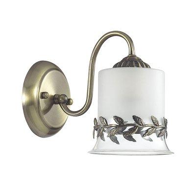 Настенный светильник бра Lumion 3283/1W PAOLINAКлассические<br>Бра 3283/1W серии Paolina оформлена в классическом стиле. Светильник состоит из стеклянного плафона с металлическим окаймлением в виде оливковой ветки, что выгодно перекликается с похожим декором на арматуре бронзового цвета. Данная модель перенесет Вас в теплую, улыбчивую и ласковую Грецию. Цоколь E27. Мощность 1x60W. Нет ламп в комплекте.<br><br>Крепление: Настенное<br>Тип лампы: накаливания / энергосбережения / LED-светодиодная<br>Тип цоколя: E27<br>Цвет арматуры: бронзовый<br>Количество ламп: 1<br>Ширина, мм: 130<br>Диаметр, мм мм: 230<br>Длина, мм: 230<br>Высота, мм: 185<br>MAX мощность ламп, Вт: 60