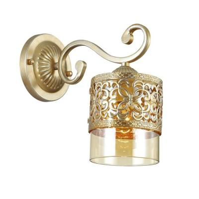 Светильник бра Lumion 3286/1WКлассические<br>Серия Zarlina примечательна своим сложным и многогранным цветом основания - цвет бронзы сочетается с патинированием под серебро. Особенно эффектно ссмотрится такой цвет на фактурном рельефном основании и металлическом декоре на стеклянном плафоне медового цвета.<br><br>Крепление: Настенное<br>Тип лампы: Накаливания / энергосбережения / светодиодная<br>Тип цоколя: E27<br>Количество ламп: 1<br>Ширина, мм: 120<br>MAX мощность ламп, Вт: 40<br>Расстояние от стены, мм: 240<br>Высота, мм: 190