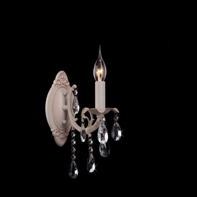 Светильник Eurosvet 3345/1 белый с золотом/прозрачный хрустальКлассика<br><br><br>S освещ. до, м2: 4<br>Тип товара: Светильник настенный бра<br>Тип лампы: накаливания / энергосбережения / LED-светодиодная<br>Тип цоколя: E14<br>Количество ламп: 1<br>Ширина, мм: 110<br>MAX мощность ламп, Вт: 60<br>Расстояние от стены, мм: 220<br>Высота, мм: 220<br>Цвет арматуры: белый с золотистой патиной