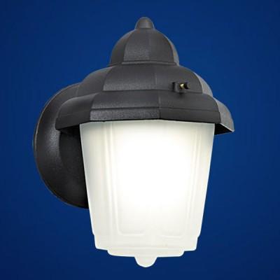 Eglo LATERNA 7 3376 светильник уличныйНастенные<br>Парковые светильники EGLO LATERNA 7 (IP54, IP33 и IP44) — светильники для наружного освещения. Светильник 1 имеет степень защиты IP54 (пылезащищенный, с защитой от капель и брызг)  светильник 2 — степень защиты IP33 (защита от твердых тел gt  2.5 мм, защита от дождя)  светильник 3 — степень защиты IP44 (защита от твердых тел gt  1 мм, защита от капель и брызг). В светильниках 1, 3 используется прозрачный пластик, плафон светильника 2 — из высококачественного матированного стекла. Арматура из алюминия. Светильники 1, 2 рассчитаны на обычную лампу E27 100W max, светильник 3 — на лампу E27 60W m<br><br>Тип товара: светильник уличный<br>Тип цоколя: E27<br>MAX мощность ламп, Вт: 60<br>Длина, мм: 155<br>Расстояние от стены, мм: 170<br>Высота, мм: 220<br>Оттенок (цвет): белый<br>Цвет арматуры: черный<br>Общая мощность, Вт: 2