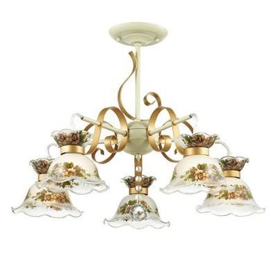 Светильник Lumion 3425/5CПотолочные<br>Серия Perraina - это очарование стиля прованс в его наилучшем проявлении. В серии гармонично используется сочетание белого с золотом, сочный растительный орнамент на стекле молочного цвета.<br><br>Установка на натяжной потолок: Да<br>S освещ. до, м2: 15<br>Крепление: Потолочное<br>Тип лампы: Накаливания / энергосбережения / светодиодная<br>Тип цоколя: E14<br>Количество ламп: 5<br>MAX мощность ламп, Вт: 60<br>Диаметр, мм мм: 610<br>Высота, мм: 410