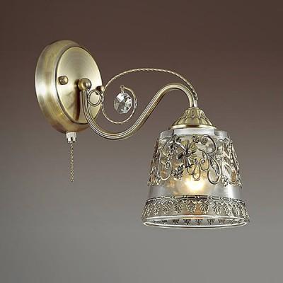 Светильник Lumion 3444/1WКлассические<br>Серия Olimpia в бронзе со множеством ажурных элементов создает парящее ощущение легкости и воздушности. Стеклянный плафон из белого матового стекла будет дарить мягкое и комфортное освещение.<br><br>Крепление: Настенное<br>Тип лампы: Накаливания / энергосбережения / светодиодная<br>Тип цоколя: E14<br>Количество ламп: 1<br>Ширина, мм: 125<br>Расстояние от стены, мм: 250<br>Высота, мм: 240<br>MAX мощность ламп, Вт: 60