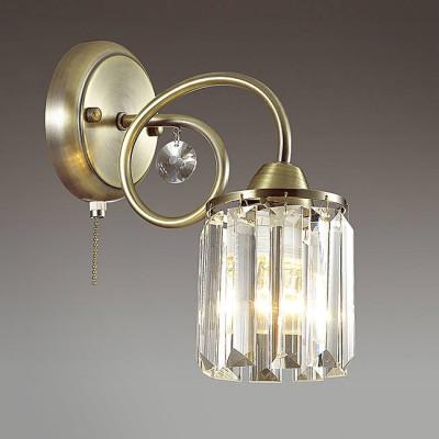 Светильник Lumion 3448/1WКлассические<br>Компактная, функциональная и изящная серия Fabbiana декорирована стильными  стеклянными элементами. В качестве плафонов используется массивные хрустальные подвески, создающие переливые и эффектное световое кружево.<br><br>Крепление: Настенное<br>Тип лампы: Накаливания / энергосбережения / светодиодная<br>Тип цоколя: E14<br>Количество ламп: 1<br>Ширина, мм: 120<br>MAX мощность ламп, Вт: 60<br>Расстояние от стены, мм: 230<br>Высота, мм: 240