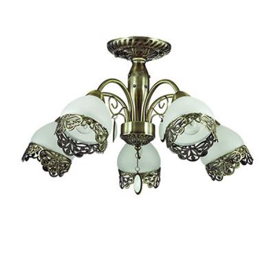 Светильник Lumion 3461/5CПотолочные<br>Утонченная ажурная металлическая окантовка на белом матовом плафоне в сочетании с основанием в цвете бронза создает очень нежный и грациозный образ люстры. Особенно интересным является использование оригинальной подвески, напоминающей камень опал в металлическом обрамлении.<br><br>Установка на натяжной потолок: Да<br>S освещ. до, м2: 10<br>Крепление: Потолочное<br>Тип лампы: Накаливания / энергосбережения / светодиодная<br>Тип цоколя: E14<br>Количество ламп: 5<br>MAX мощность ламп, Вт: 40<br>Диаметр, мм мм: 600<br>Высота, мм: 340