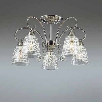 Светильник Lumion 3469/5CПотолочные<br>Серия Barnibbo - это элегантные светильники в цвете матовый никель для функционального освещения в классическом интерьере. В ней используются массивные стеклянные плафоны с утонченным рисунком, благодаря которым в помещении будет обеспечено мягкое освещение.  Изящные подвески придают светильнику нарядность.<br><br>Установка на натяжной потолок: Да<br>S освещ. до, м2: 10<br>Крепление: Потолочное<br>Тип лампы: Накаливания / энергосбережения / светодиодная<br>Тип цоколя: E14<br>Количество ламп: 5<br>Диаметр, мм мм: 545<br>Высота, мм: 295<br>MAX мощность ламп, Вт: 40