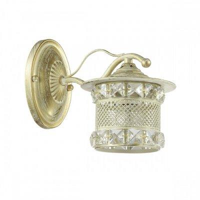Светильник Lumion 3482/1WОжидается<br>Оригинальная серия Sammati состоит из металлической арматуры белого цвета с золотой патиной. Металлический плафон выполнен в восточном стиле и украшен хрусталем, свет от такого плафона в темноте отражает красивые узоры на стенах<br><br>Тип цоколя: E27<br>Количество ламп: 1<br>Ширина, мм: 110<br>MAX мощность ламп, Вт: 60<br>Оттенок (цвет): белый / золот.патина