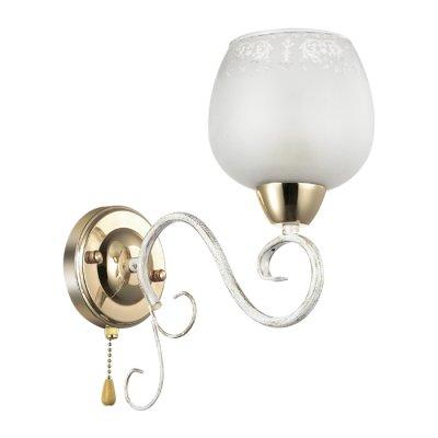 Бра Lumion 3505/1W BIANCOPAСовременные<br>Романтичная серия Biancopa поражает своей красотой и изяществом. Арматура светильника покрыта белым цветом с золотой патиной. Светильник обильно украшен металлическим декором, а также белоснежными плафонами с эффектом зимнего узора на стекле<br><br>Тип лампы: Накаливания / энергосбережения / светодиодная<br>Тип цоколя: E27<br>Количество ламп: 1<br>Ширина, мм: 128<br>Расстояние от стены, мм: 270<br>Высота, мм: 270<br>Оттенок (цвет): белый / зол.патина / золото<br>MAX мощность ламп, Вт: 60