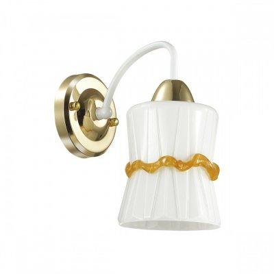 Светильник Lumion 3529/1WОжидается<br>Серия Simpana обладает простым и незамысловатым дизайном. Часть арматуры выполнена из металла золотого цвета, остальная часть окрашена в белый цвет с золотой патиной. Стеклянный плафон из рельефного белого стекла словно украшен золотой каймой, что придает этой коллекции нарядности и уюта<br><br>Тип цоколя: E14<br>Количество ламп: 1<br>MAX мощность ламп, Вт: 40<br>Оттенок (цвет): золотой / белый с золотой патиной