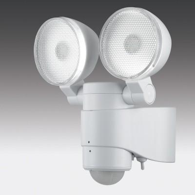 Novotech SOLAR 357344 Светильник ландшафтныйCветодиодные<br>Ландшафтный сенсорный светодиодный светильник на солнечной батарее с датчиком движения модели Novotech 357344 из серии SOLAR отличается следующим качеством: Светильник, сделанный из пластика, имеет высокие эксплуатационные показатели, что объясняется его повышенной стойкостью к механическим повреждениям и защищенностью от факторов внешней среды. Датчик: угол обнаружения max. 130°, дальность обнаружения max. 8м.   Время задержки: от 10 ± 5 сек. до 1 мин. (РЕГУЛИРУЕМЫЙ) Срок службы светодиодов - 25000 часов. Время автономной работы после полной зарядки батареи - 60 мин. После 1го дня зарядки батареи - 20 мин. . Диапазон рабочих температур от -20 до +40 градусов Цельсия.<br><br>Цветовая t, К: 4000<br>Тип лампы: LED<br>Тип цоколя: LED<br>Количество ламп: 2<br>Ширина, мм: 113<br>MAX мощность ламп, Вт: 6<br>Длина, мм: 187<br>Высота, мм: 209<br>Цвет арматуры: белый