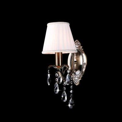 Светильник Eurosvet 3646/1 античная бронза/прозрачный хрустальКлассические<br><br><br>S освещ. до, м2: 4<br>Тип лампы: накаливания / энергосбережения / LED-светодиодная<br>Тип цоколя: E14<br>Количество ламп: 1<br>Ширина, мм: 150<br>MAX мощность ламп, Вт: 60<br>Расстояние от стены, мм: 250<br>Высота, мм: 350<br>Цвет арматуры: бронзовый