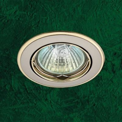 Точечный светильник 369105 Novotech никель/золото CrownКруглые<br>Светильники поворотные для низковольтных галогенных ламп. Материал: алюминиевое литье.<br><br>S освещ. до, м2: 3<br>Тип товара: Точечный встраиваемый светильник<br>Тип лампы: галогенная<br>Тип цоколя: GU5.3 (MR16)<br>Количество ламп: 1<br>MAX мощность ламп, Вт: 50<br>Диаметр, мм мм: 82<br>Диаметр врезного отверстия, мм: 75<br>Высота, мм: 27<br>Оттенок (цвет): золото<br>Цвет арматуры: серебристый