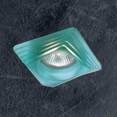 Novotech GLASS 369128 Встраиваемый светильникКвадратные<br>Светильники для низковольтных галогенных ламп. Материал: штампованная сталь/стекло. Напряжение: - 12V или 220V. IP 20<br><br>S освещ. до, м2: 3<br>Тип лампы: галогенная<br>Тип цоколя: GU5.3 (MR16)<br>Количество ламп: 1<br>Ширина, мм: 98<br>MAX мощность ламп, Вт: 50<br>Диаметр врезного отверстия, мм: 72<br>Длина, мм: 98<br>Высота, мм: 70<br>Цвет арматуры: зеленый