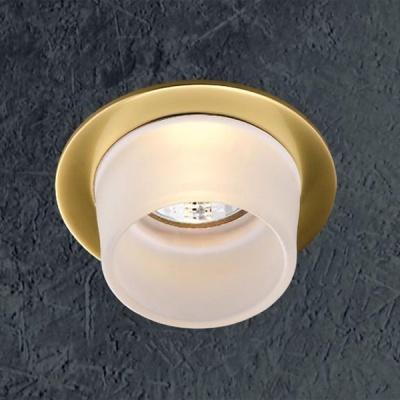 Novotech RAINBOW 369170 Встраиваемый светильникКруглые<br>Светильники для низковольтных галогенных ламп. Материал: алюминевое литье/стекло. Лампы в комплект не входятНапряжение: - 12V или 220V. IP 20<br><br>S освещ. до, м2: 3<br>Тип лампы: галогенная<br>Тип цоколя: GU5.3 (MR16)<br>Количество ламп: 1<br>MAX мощность ламп, Вт: 50<br>Диаметр, мм мм: 80<br>Диаметр врезного отверстия, мм: 65<br>Высота, мм: 89<br>Оттенок (цвет): белый<br>Цвет арматуры: латунь