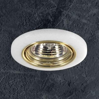 Novotech STONE 369278 Точечный встраиваемый светильникКруглые<br>Декоративный встраиваемый поворотный светильник модели Novotech 369278 из серии STONE отличается следующим качеством: Основание светильника – алюминиевое литьё. Это сплав, основными  достоинствами которого являются — устойчивость к практически всем видам негативного воздействия окружающей среды, коррозии, небольшой вес, по сравнению с другими видами металла и   экологическая безопасность материала. Декоративный плафон сделан из искусственного камня.  Этот материал отличается, без преувеличения, уникальными эксплуатационными качествами. Он прочный и долговечный, влагоустойчивый, гигиеничный (на гладкой поверхности бактерии не приживаются), термостойкий,  экологичный и лёгкий. А так же тёплый на ощупь.<br><br>S освещ. до, м2: 3<br>Тип лампы: галогенная<br>Тип цоколя: GU5.3 (MR16)<br>Количество ламп: 1<br>MAX мощность ламп, Вт: 50<br>Диаметр, мм мм: 88<br>Диаметр врезного отверстия, мм: 68<br>Высота, мм: 30<br>Оттенок (цвет): белый<br>Цвет арматуры: Золотой