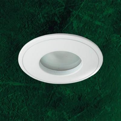 Светильник Novotech 369305 белый AquaВлагозащищенные<br>Светильники с защитным стеклом для низковольтных галогенных ламп. Материал: алюминевое литье. Напряжение: - 12V или 220V. IP 65<br><br>S освещ. до, м2: 3<br>Тип товара: Встраиваемый светильник<br>Тип лампы: галогенная<br>Тип цоколя: GU5.3 (MR16)<br>Количество ламп: 1<br>MAX мощность ламп, Вт: 50<br>Диаметр, мм мм: 85<br>Диаметр врезного отверстия, мм: 74<br>Высота, мм: 82<br>Цвет арматуры: белый
