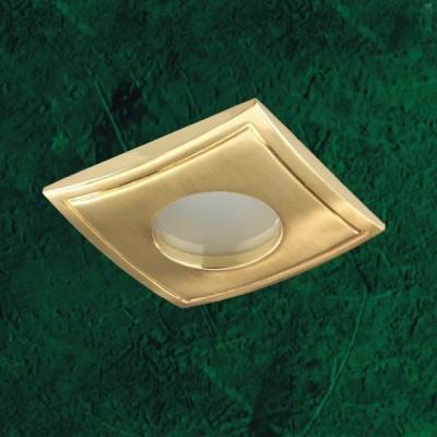 Novotech AQUA 369308 Встраиваемый светильникВ ванную<br>Встраиваемый неповоротный светильник модели Novotech 369308 из серии AQUA отличается следующим качеством: Влагозащищённый светильник. Светильник сделан из  алюминиевого литья. Это сплав, основными  достоинствами которого являются — устойчивость к практически всем видам негативного воздействия окружающей среды, коррозии, небольшой вес, по сравнению с другими видами металла и   экологическая безопасность материала.<br><br>S освещ. до, м2: 3<br>Тип лампы: галогенная<br>Тип цоколя: GU5.3 (MR16)<br>Количество ламп: 1<br>Ширина, мм: 82<br>MAX мощность ламп, Вт: 50<br>Диаметр врезного отверстия, мм: 74<br>Длина, мм: 82<br>Высота, мм: 85<br>Цвет арматуры: Золотой