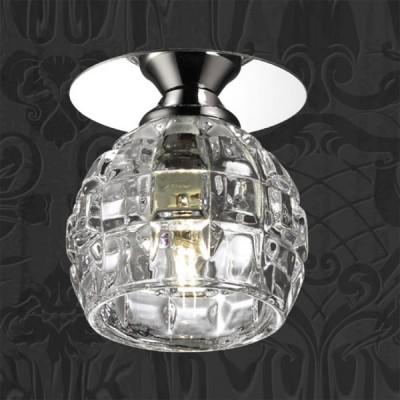 Novotech VETRO 369512 Встраиваемый светильникКруглые<br>Встраиваемые светильники – популярное осветительное оборудование, которое можно использовать в качестве основного источника или в дополнение к люстре. Они позволяют создать нужную атмосферу атмосферу и привнести в интерьер уют и комфорт.   Интернет-магазин «Светодом» предлагает стильный встраиваемый светильник Novotech 369512. Данная модель достаточно универсальна, поэтому подойдет практически под любой интерьер. Перед покупкой не забудьте ознакомиться с техническими параметрами, чтобы узнать тип цоколя, площадь освещения и другие важные характеристики.   Приобрести встраиваемый светильник Novotech 369512 в нашем онлайн-магазине Вы можете либо с помощью «Корзины», либо по контактным номерам. Мы развозим заказы по Москве, Екатеринбургу и остальным российским городам.<br><br>S освещ. до, м2: 2<br>Тип лампы: галогенная<br>Тип цоколя: G9<br>Количество ламп: 1<br>MAX мощность ламп, Вт: 40<br>Диаметр, мм мм: 80<br>Диаметр врезного отверстия, мм: 55<br>Высота, мм: 105<br>Оттенок (цвет): прозрачный<br>Цвет арматуры: серебристый