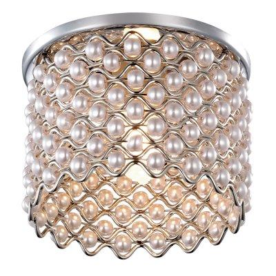 Novotech PEARL 369888 Встраиваемый светильникХрустальные<br>Декоративный встраиваемый светильник модели Novotech 369888 из серии PEARL отличается следующим качеством: Светильник сделан из металла. Это популярный и востребованный материал благодаря ряду качеств. К ним относится: повышенная прочность, износостойкость и долговечность.  Декоративная отделка - искусственный жемчуг. Он отличается ярким блеском и идеальной формой бусин, по своей красоте не уступая настоящему и при электрическом освещении  дает красивый эффект преломления света.<br><br>S освещ. до, м2: 3<br>Тип лампы: галогенная<br>Тип цоколя: G9<br>Количество ламп: 1<br>MAX мощность ламп, Вт: 40<br>Диаметр, мм мм: 75<br>Диаметр врезного отверстия, мм: 60<br>Цвет арматуры: серебристый
