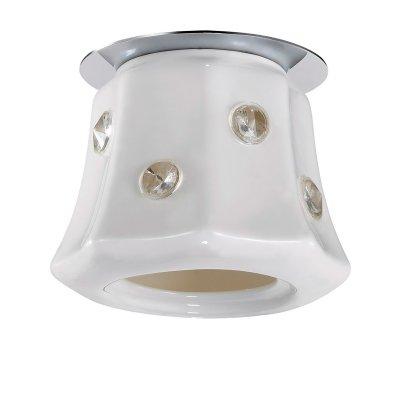 Novotech ZEFIRO 370158 Точечный встраиваемый светильникТочечные светильники круглые<br>Встраиваемые светильники – популярное осветительное оборудование, которое можно использовать в качестве основного источника или в дополнение к люстре. Они позволяют создать нужную атмосферу атмосферу и привнести в интерьер уют и комфорт.   Интернет-магазин «Светодом» предлагает стильный встраиваемый светильник Novotech 370158. Данная модель достаточно универсальна, поэтому подойдет практически под любой интерьер. Перед покупкой не забудьте ознакомиться с техническими параметрами, чтобы узнать тип цоколя, площадь освещения и другие важные характеристики.   Приобрести встраиваемый светильник Novotech 370158 в нашем онлайн-магазине Вы можете либо с помощью «Корзины», либо по контактным номерам. Мы развозим заказы по Москве, Екатеринбургу и остальным российским городам.<br><br>S освещ. до, м2: 2<br>Тип лампы: галогенная<br>Тип цоколя: G9<br>Цвет арматуры: серебристый<br>Количество ламп: 1<br>Диаметр, мм мм: 105<br>Диаметр врезного отверстия, мм: 60<br>Высота, мм: 98<br>MAX мощность ламп, Вт: 40