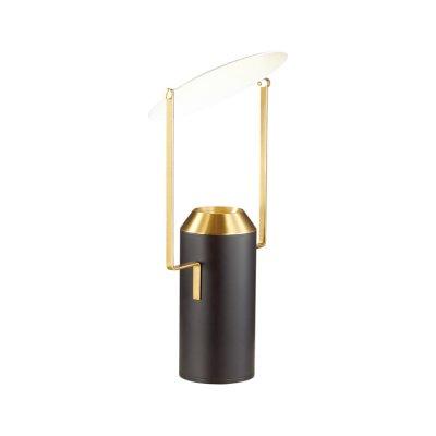 Настольная лампа Odeon light 4077/12TL TRAMнастольные лампы лофт и ретро стиля<br>Серия настольных светильников Tram способна обеспечить не только комфортное освещение, но и нести декоративную функцию. Настольная лампа Tram качественно осветит рабочую поверхность и станет залогом плодотворной работы. А стильный дизайн с элементами ретро прекрасно впишется в модные и современные интерьеры