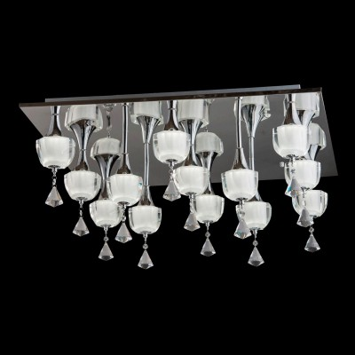 Люстра Chiaro 455010913 СимонаПотолочные<br><br><br>Установка на натяжной потолок: Да<br>S освещ. до, м2: 28<br>Крепление: Планка<br>Тип товара: Люстра<br>Скидка, %: 59<br>Тип лампы: LED - светодиодная<br>Тип цоколя: LED<br>Количество ламп: 13<br>Ширина, мм: 700<br>MAX мощность ламп, Вт: 5<br>Длина, мм: 700<br>Высота, мм: 330
