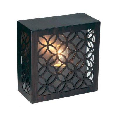 Светильник уличный Brilliant 45880/55 LidaМодерн<br>Зачастую мы ищем идеальное освещение для своего дома и уделяем этому достаточно много времени. Так, например, если нам нужен светильник с количеством ламп - 1 и цвет плафонов должен быть - неокрашенный, а материал плафонов только пластик! То нам, как вариант, подойдет модель - светильник уличный Brilliant 45880/55.<br><br>S освещ. до, м2: 4<br>Тип товара: Светильник настенный уличный<br>Тип лампы: накаливания / энергосбережения / LED-светодиодная<br>Тип цоколя: E27<br>Количество ламп: 1<br>Ширина, мм: 245<br>MAX мощность ламп, Вт: 60<br>Выступ, мм: 120<br>Длина, мм: 245<br>Высота, мм: 120<br>Цвет арматуры: коричневый