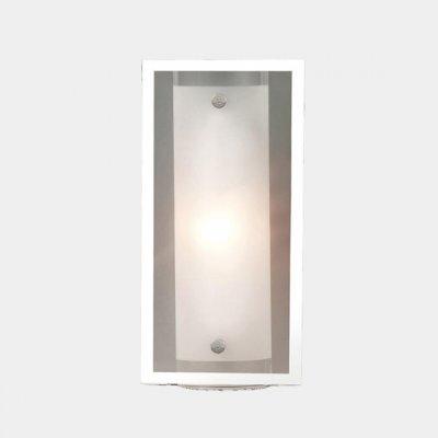Светильник накладной Globo 48510-1 Specchioпрямоугольные светильники<br>Настенно-потолочные светильники – это универсальные осветительные варианты, которые подходят для вертикального и горизонтального монтажа. В интернет-магазине «Светодом» Вы можете приобрести подобные модели по выгодной стоимости. В нашем каталоге представлены как бюджетные варианты, так и эксклюзивные изделия от производителей, которые уже давно заслужили доверие дизайнеров и простых покупателей. <br>Настенно-потолочный светильник Globo 48510-1 Specchio станет прекрасным дополнением к основному освещению. Благодаря качественному исполнению и применению современных технологий при производстве эта модель будет радовать Вас своим привлекательным внешним видом долгое время. <br>Приобрести настенно-потолочный светильник Globo 48510-1 Specchio можно, находясь в любой точке России.<br><br>S освещ. до, м2: 2<br>Тип лампы: накаливания / энергосбережения / LED-светодиодная<br>Тип цоколя: E14<br>Количество ламп: 1<br>Ширина, мм: 85<br>Длина, мм: 250<br>Высота, мм: 120<br>MAX мощность ламп, Вт: 40