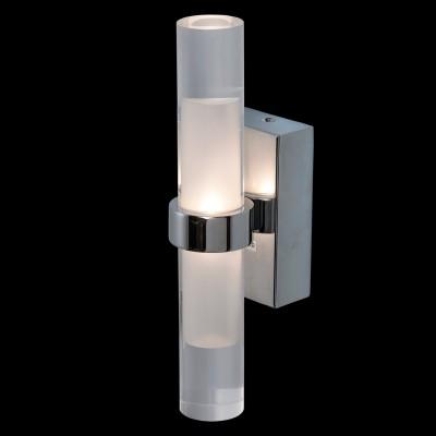 Светильник поворотный спот Mw light 509023602 АкваДля ванной<br>Описание модели 509023602: Если вас привлекают строгие, отточенные линии, нестандартные сочетания,  смелый дизайн – вам придется по вкусу светильник из коллекции Аква. Он сделан из прозрачного акрила, матированного внутри, благодаря чему создает эффект многогранности и объема. Основание и крепление из металла цвета хрома. Такое нейтральное цветовое сочетание позволяет светильнику прекрасно смотреться в  любом помещении,   как в современной гостиной, так и в  кухне или ванной комнате. Площадь освещения порядка 2,6 кв.м.<br><br>S освещ. до, м2: 2<br>Тип лампы: LED - светодиодная<br>Цвет арматуры: серебристый<br>Количество ламп: 2<br>Ширина, мм: 250<br>Длина, мм: 60<br>Расстояние от стены, мм: 90<br>Высота, мм: 90<br>MAX мощность ламп, Вт: 3<br>Общая мощность, Вт: 6