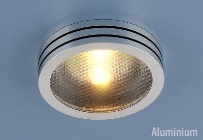 5153 BK (хром / черный) Электростандарт Точечный светильник из алюминияТочечные светильники круглые<br>Светильник изготовлен из литого под давления алюминия. Лаконичный строгий дизайн позволяет светильнику вписаться в любой интерьер. Лампа в светильнике фиксируется выворачивающимся диском.<br> Лампа: MR16 G5.3 max 50 Вт Диаметр: ? 79 мм Высота внутренней части: ? 21 мм Высота внешней части: ? 20 мм Монтажное отверстие: ? 60 мм Гарантия: 2 года Корпус из алюминия<br><br>Тип лампы: галогенная<br>Тип цоколя: gu5.3<br>Диаметр, мм мм: 78<br>Диаметр врезного отверстия, мм: 65<br>MAX мощность ламп, Вт: 50