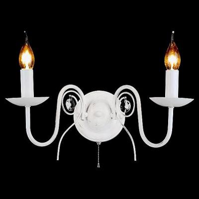 Светильник Евросвет 60018/2 белый с золотомКлассические<br><br><br>Тип лампы: Накаливания / энергосбережения / светодиодная<br>Тип цоколя: E14<br>Количество ламп: 2<br>Ширина, мм: 300<br>MAX мощность ламп, Вт: 60<br>Высота, мм: 275<br>Цвет арматуры: белый с золотистой патиной