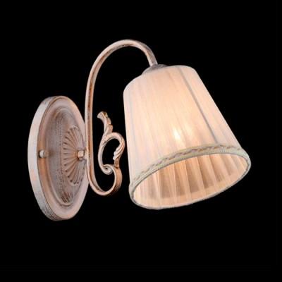Светильник Евросвет 60029/1 белый с золотомКлассические<br><br><br>Тип лампы: Накаливания / энергосбережения / светодиодная<br>Тип цоколя: E14<br>Цвет арматуры: белый с золотистой патиной<br>Количество ламп: 1<br>Ширина, мм: 150<br>Длина, мм: 235<br>Высота, мм: 260<br>MAX мощность ламп, Вт: 40