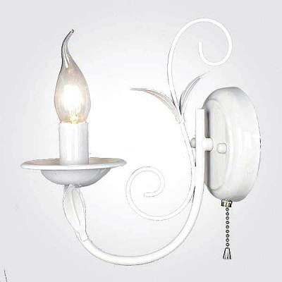 Евросвет 60050/1 глянцевый белыйКлассические<br><br><br>Тип лампы: Накаливания / энергосбережения / светодиодная<br>Тип цоколя: E14<br>Количество ламп: 1<br>Ширина, мм: 220<br>MAX мощность ламп, Вт: 40<br>Длина, мм: 220<br>Высота, мм: 240