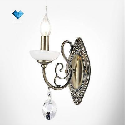 Евросвет 60055/1 античная бронзаКлассические<br><br><br>Тип лампы: Накаливания / энергосбережения / светодиодная<br>Тип цоколя: E14<br>Количество ламп: 1<br>Ширина, мм: 100<br>Расстояние от стены, мм: 230<br>Высота, мм: 250<br>MAX мощность ламп, Вт: 60