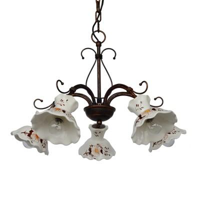 Люстра Lamplandia 6122-5 MiaПодвесные<br>Оригинальная люстра выполнена из металла в цвете античная бронза с керамическим плафоном белого цвета с рисунком.<br><br>Установка на натяжной потолок: Да<br>S освещ. до, м2: 10<br>Крепление: Крюк<br>Тип лампы: накаливания / энергосбережения / LED-светодиодная<br>Тип цоколя: E27<br>Цвет арматуры: бронзовый<br>Количество ламп: 5<br>Ширина, мм: 570<br>Длина, мм: 570<br>Высота, мм: 420 - 870<br>MAX мощность ламп, Вт: 60
