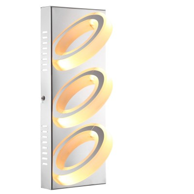 Светильник Globo 67062-3Прямоугольные<br>Настенно-потолочные светильники – это универсальные осветительные варианты, которые подходят для вертикального и горизонтального монтажа. В интернет-магазине «Светодом» Вы можете приобрести подобные модели по выгодной стоимости. В нашем каталоге представлены как бюджетные варианты, так и эксклюзивные изделия от производителей, которые уже давно заслужили доверие дизайнеров и простых покупателей.  Настенно-потолочный светильник Globo 67062-3 станет прекрасным дополнением к основному освещению. Благодаря качественному исполнению и применению современных технологий при производстве эта модель будет радовать Вас своим привлекательным внешним видом долгое время.  Приобрести настенно-потолочный светильник Globo 67062-3 можно, находясь в любой точке России.<br><br>S освещ. до, м2: 6<br>Тип лампы: LED<br>Тип цоколя: LED<br>Цвет арматуры: серебристый<br>Количество ламп: 3<br>Ширина, мм: 320<br>Длина, мм: 125<br>Высота, мм: 100<br>MAX мощность ламп, Вт: 5
