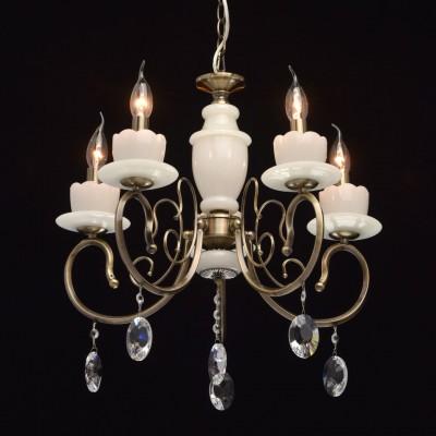 Люстра Mw light 683010905 СвечаПодвесные<br><br><br>Установка на натяжной потолок: Да<br>S освещ. до, м2: 15<br>Крепление: Крюк<br>Тип лампы: Накаливания / энергосбережения / светодиодная<br>Тип цоколя: E14<br>Количество ламп: 5<br>MAX мощность ламп, Вт: 60<br>Диаметр, мм мм: 560<br>Высота, мм: 520<br>Цвет арматуры: бронзовый