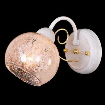 Светильник Евросвет 70013/1 белый с золотомМодерн<br><br><br>Цветовая t, К: 2400-2800<br>Тип лампы: накаливания / энергосберегающая / светодиодная<br>Тип цоколя: E14<br>Количество ламп: 1<br>Ширина, мм: 160<br>MAX мощность ламп, Вт: 60<br>Высота, мм: 260<br>Поверхность арматуры: матовый<br>Цвет арматуры: белый с золотистой патиной