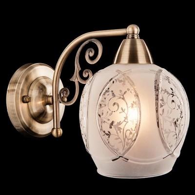 Светильник Евросвет 70026/1 античная бронзаКлассические<br><br><br>Тип лампы: Накаливания / энергосбережения / светодиодная<br>Тип цоколя: E27<br>Количество ламп: 1<br>Ширина, мм: 150<br>MAX мощность ламп, Вт: 60<br>Длина, мм: 240<br>Высота, мм: 190<br>Цвет арматуры: бронзовый