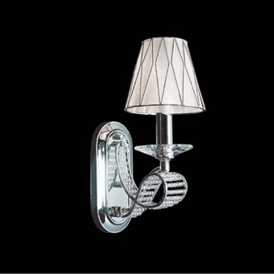 Светильник бра Lightstar 705614 Riccioклассические бра<br>Бра Riccio – блеск каждой детали. Металлическое основание покрыто антикоррозионным составом и глянцевой эмалью цвета хром. Рожок представляет собой ленту с множеством хрустальных бусин, грани которых изумительно переливаются в свете лампы. Плафон выполнен из стекла с методикой «засахаривания». Так, плафон имеет легкий блеск и привлекательные оттенки. Белый свет лампы сочетается с «холодным» основанием и прекрасно дополнит любой современный интерьер.<br><br>Коллекция Riccio относится к бренду премиальных светильников Osgona. Металлическое основание покрыто краской цвета «хром», которая не потемнеет и не испортится со временем. Светильники долгие годы будут радовать своим зеркальным блеском. Серия отличается множеством хрустальных украшений, которые либо полностью покрывают поверхность светильника, либо являются одним из эстетических элементов. В любом случае качественная огранка каждого хрусталика удивит яркими переливами. Плафоны выполнены из матового венецианского стекла с узором из хромированного металла. <br>В коллекцию вошли: 2 потолочные люстры и 2 бра.
