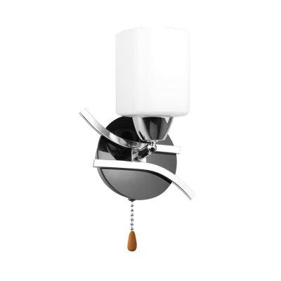 Светильник Colosseo 70839/1WМодерн<br><br><br>S освещ. до, м2: 4<br>Тип лампы: накаливания / энергосбережения / LED-светодиодная<br>Тип цоколя: E14<br>Количество ламп: 1<br>Ширина, мм: 110<br>MAX мощность ламп, Вт: 60<br>Диаметр, мм мм: 110<br>Длина, мм: 210<br>Расстояние от стены, мм: 140<br>Высота, мм: 140<br>Цвет арматуры: серебристый