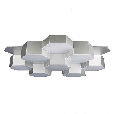 Lightstar FAVO 750164 ЛюстраПотолочные<br>Компания «Светодом» предлагает широкий ассортимент люстр от известных производителей. Представленные в нашем каталоге товары выполнены из современных материалов и обладают отличным качеством. Благодаря широкому ассортименту Вы сможете найти у нас люстру под любой интерьер. Мы предлагаем как классические варианты, так и современные модели, отличающиеся лаконичностью и простотой форм.  Стильная люстра Lightstar 750164 станет украшением любого дома. Эта модель от известного производителя не оставит равнодушным ценителей красивых и оригинальных предметов интерьера. Люстра Lightstar 750164 обеспечит равномерное распределение света по всей комнате. При выборе обратите внимание на характеристики, позволяющие приобрести наиболее подходящую модель. Купить понравившуюся люстру по доступной цене Вы можете в интернет-магазине «Светодом».<br><br>Установка на натяжной потолок: Да<br>S освещ. до, м2: 32<br>Крепление: Планка<br>Тип цоколя: LED<br>Количество ламп: 80<br>Размеры: L640 W590 H120<br>Цвет арматуры: серебристый
