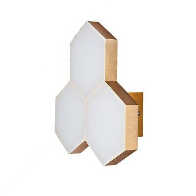 Lightstar FAVO 750633 Светильник настенный браХай-тек<br><br><br>Тип товара: Светильник настенный бра<br>Тип цоколя: LED<br>MAX мощность ламп, Вт: 15<br>Размеры: отступ<br>Цвет арматуры: Золотой