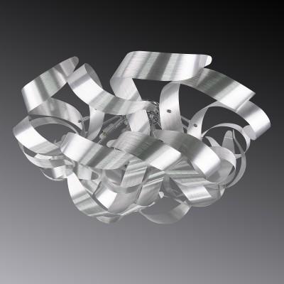 Lightstar TURBIO 754099 ЛюстраПотолочные<br>Люстра из коллекции Turbio проста и изящна. Тонкие металлические пластины с хромированным покрытием отзываются на стиль хай-тек, привнося в него металлический блеск и холодность поверхностей. Светодиодные лампы дарят белый дневной свет. Закрученные формы делают люстру особенной и оригинальной.<br>Стильная люстра Lightstar 754099 станет украшением любого дома. Эта модель от известного производителя не оставит равнодушным ценителей красивых и оригинальных предметов интерьера. Люстра Lightstar 754099 обеспечит равномерное распределение света по всей комнате. При выборе обратите внимание на характеристики, позволяющие приобрести наиболее подходящую модель. <br>Купить понравившуюся люстру по доступной цене Вы можете в интернет-магазине «Светодом». Мы предлагаем доставку не только по Москве и Екатеринбурге, но и по всей России.<br><br>Установка на натяжной потолок: Да<br>S освещ. до, м2: 24<br>Крепление: Планка<br>Тип цоколя: G9<br>Цвет арматуры: серебристый<br>Количество ламп: 9<br>Диаметр, мм мм: 750<br>Размеры: H min-max330 W750<br>Высота, мм: 330<br>Оттенок (цвет): серебристый<br>MAX мощность ламп, Вт: 40