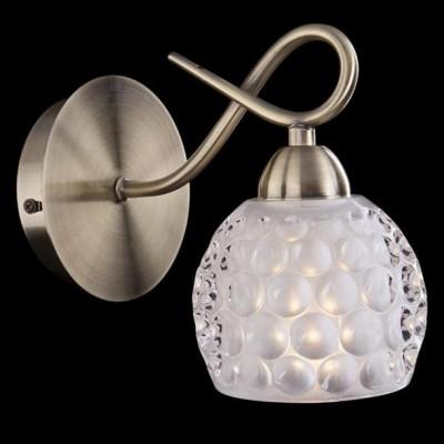 Светильник бра Евросвет 7720/1 античная бронзаМодерн<br><br><br>Цветовая t, К: 2400-2800<br>Тип лампы: накаливания / энергосберегающая / светодиодная<br>Тип цоколя: E14<br>Количество ламп: 1<br>Ширина, мм: 200<br>MAX мощность ламп, Вт: 60<br>Длина, мм: 100<br>Высота, мм: 170<br>Поверхность арматуры: глянцевый<br>Цвет арматуры: бронзовый