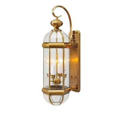Светильник влагозащищенный Chiaro 802020504 МидосНастенные<br>Воплощение стильной идеи освещения в качественном и роскошном обрамлении! Коллекция Мидос достойна особого внимания благодаря латуни, из которой изготовлены основания ярко сияющих светильников. Кристально прозрачное стекло в плафонах имеет фигурное обрамление, которое эффектно бликует на свету. Светильники из коллекции Мидос довершат стильный экстерьер частного дома и расставят  акценты в окружающей ландшафтной обстановке<br><br>S освещ. до, м2: 8<br>Тип лампы: накаливания / энергосбережения / LED-светодиодная<br>Тип цоколя: E14<br>Количество ламп: 4<br>Ширина, мм: 200<br>MAX мощность ламп, Вт: 40<br>Длина, мм: 660<br>Высота, мм: 230<br>Поверхность арматуры: глянцевый<br>Цвет арматуры: латунь<br>Общая мощность, Вт: 160