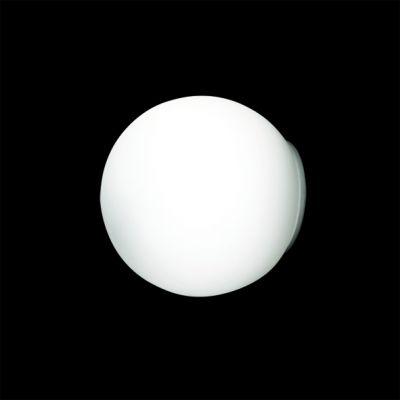 Lightstar IX SIMPLE LIGHT 803010 Светильник настенно-потолочныйКруглые<br>Настенно-потолочные светильники – это универсальные осветительные варианты, которые подходят для вертикального и горизонтального монтажа. В интернет-магазине «Светодом» Вы можете приобрести подобные модели по выгодной стоимости. В нашем каталоге представлены как бюджетные варианты, так и эксклюзивные изделия от производителей, которые уже давно заслужили доверие дизайнеров и простых покупателей.  Настенно-потолочный светильник Lightstar 803010 станет прекрасным дополнением к основному освещению. Благодаря качественному исполнению и применению современных технологий при производстве эта модель будет радовать Вас своим привлекательным внешним видом долгое время. Приобрести настенно-потолочный светильник Lightstar 803010 можно, находясь в любой точке России. Компания «Светодом» осуществляет доставку заказов не только по Москве и Екатеринбургу, но и в остальные города.<br><br>S освещ. до, м2: 2<br>Крепление: настенное<br>Тип лампы: галогенная / LED-светодиодная<br>Тип цоколя: G9<br>Количество ламп: 1<br>MAX мощность ламп, Вт: 40<br>Диаметр, мм мм: 140<br>Размеры: D 140 Выступ 130<br>Высота, мм: 130<br>Оттенок (цвет): белый<br>Цвет арматуры: бежевый