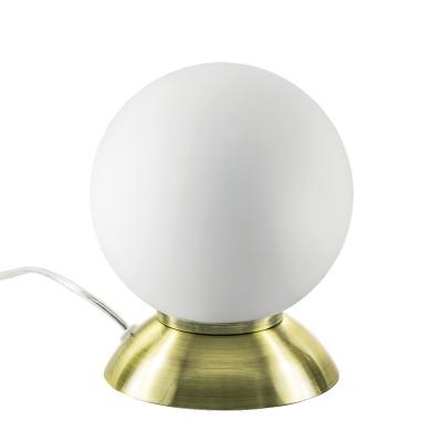 Настольная лампа Lightstar 813911 GLOBOВ виде шара<br>Настольная лампа – это не просто источник дополнительного освещения, но и оригинальный элемент декора. Его можно установить в спальне, гостиной, кабинете и других комнатах. Интернет-магазин «Светодом» предлагает настольные лампы разных стилей по доступным ценам. Благодаря большому ассортименту Вы обязательно найдете в нашем каталоге именно ту модель, которую искали. <br> Настольная лампа Lightstar 813911 – прекрасный вариант для завершения интерьера. Ее можно включить одновременно с люстрой для более яркого освещения или без нее для создания уютной атмосферы, настраивающей на отдых. <br> Купить настольную лампу Lightstar 813911 Вы можете с помощью виртуальной «Корзины» или по контактным номерам, указанным на сайте.<br><br>Тип цоколя: E14<br>Количество ламп: 1<br>MAX мощность ламп, Вт: 40<br>Диаметр, мм мм: 150<br>Высота, мм: 200