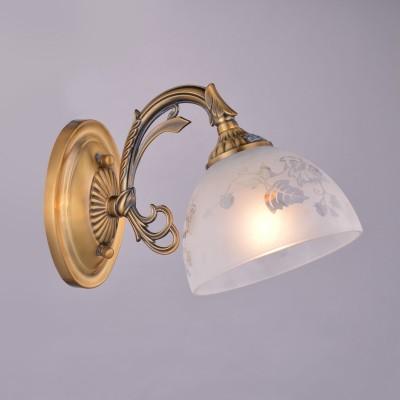 Светильник Colosseo 81626/1W optimaКлассические<br><br><br>Тип цоколя: E27<br>Количество ламп: 1<br>MAX мощность ламп, Вт: 60<br>Цвет арматуры: латунь