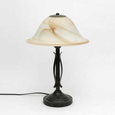 Лампа настольная Brilliant 81949/58 FioreКлассические<br>Зачастую мы ищем идеальное освещение для своего дома и уделяем этому достаточно много времени. Так, например, если нам нужен светильник с количеством ламп - 1 и цвет плафонов должен быть - бежевый алебастр, а материал плафонов только стекло! То нам, как вариант, подойдет модель - лампа настольная Brilliant 81949/58.<br><br>S освещ. до, м2: 5<br>Тип лампы: накал-я - энергосбер-я<br>Тип цоколя: E27<br>Количество ламп: 1<br>MAX мощность ламп, Вт: 75<br>Диаметр, мм мм: 320<br>Высота, мм: 450<br>Цвет арматуры: бронзовый